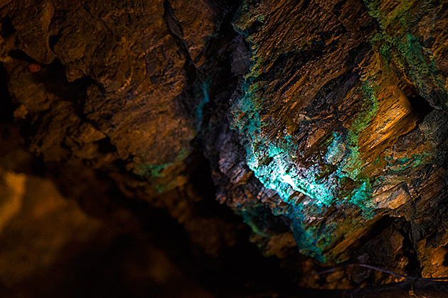Blue-Crystal-Mine