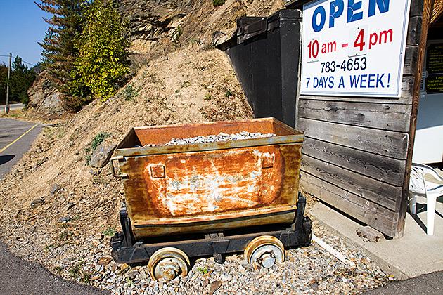 Gold-Ore-Cart