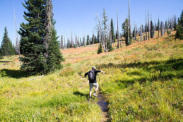 Hiking-Jumper