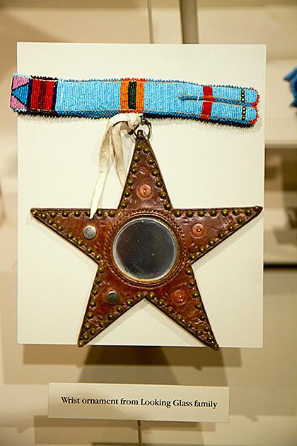 Wrist-Star-Ornament