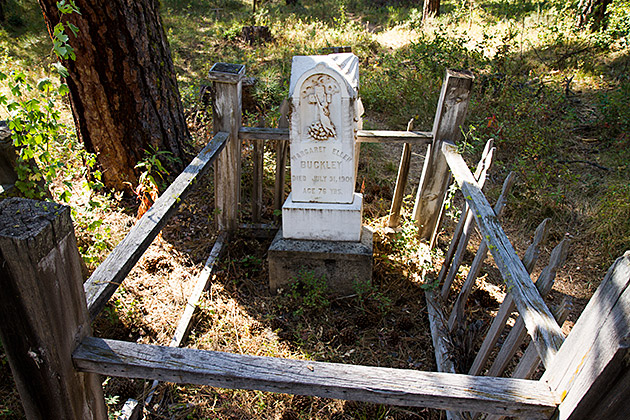 Buckley-Grave