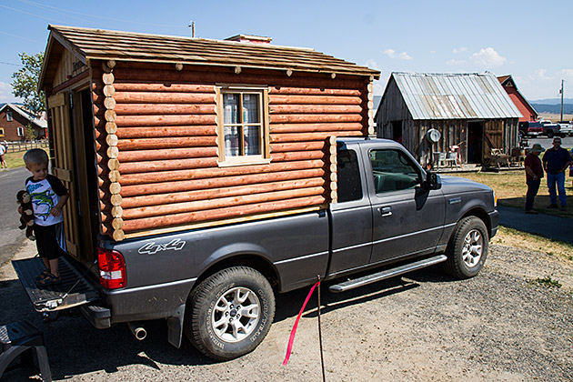 Log-Cabin-RV