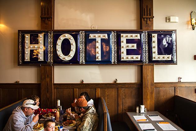 Hotel-Lunch-Soda-Springs